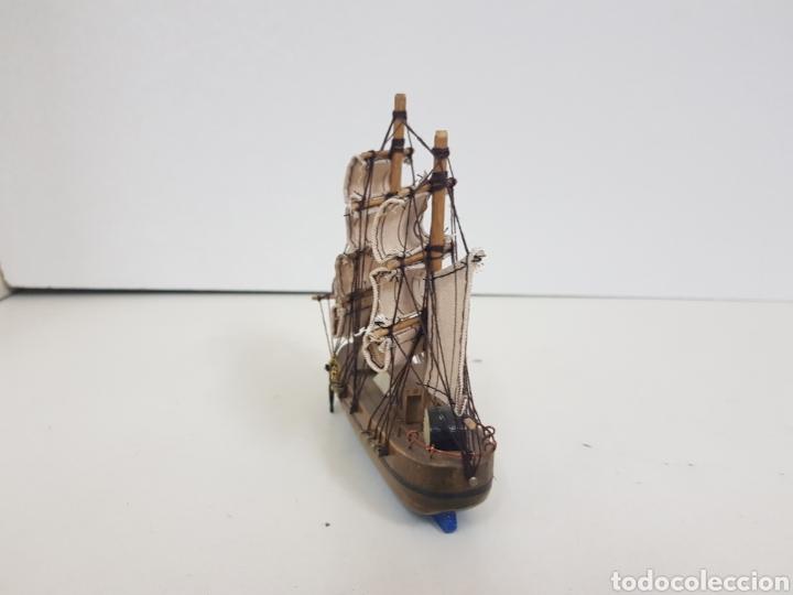 Maquetas: Barco de madera con velas de tela e hilo y fondo azul medidas 18 x 14 cm con doble ancla - Foto 2 - 136826857