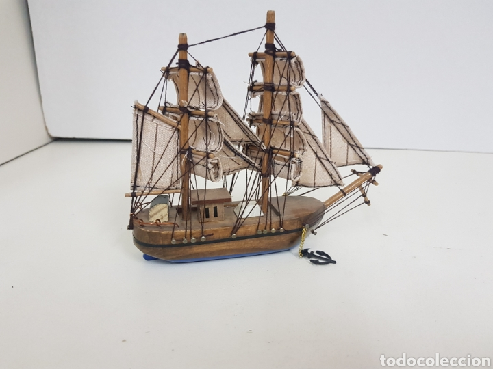 Maquetas: Barco de madera con velas de tela e hilo y fondo azul medidas 18 x 14 cm con doble ancla - Foto 3 - 136826857