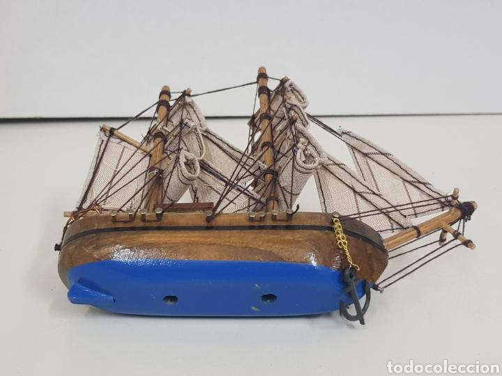 Maquetas: Barco de madera con velas de tela e hilo y fondo azul medidas 18 x 14 cm con doble ancla - Foto 4 - 136826857
