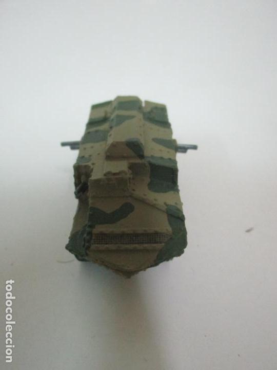Maquetas: Carros de Combate - Lote, Colección 27 Tanques - Juguete de Plomo, Tanque - Escala 1/87 - con Funda - Foto 9 - 137971442
