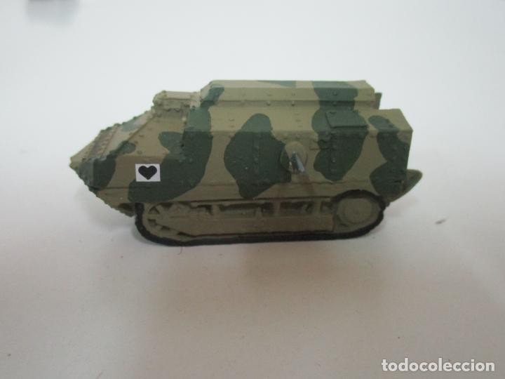 Maquetas: Carros de Combate - Lote, Colección 27 Tanques - Juguete de Plomo, Tanque - Escala 1/87 - con Funda - Foto 10 - 137971442