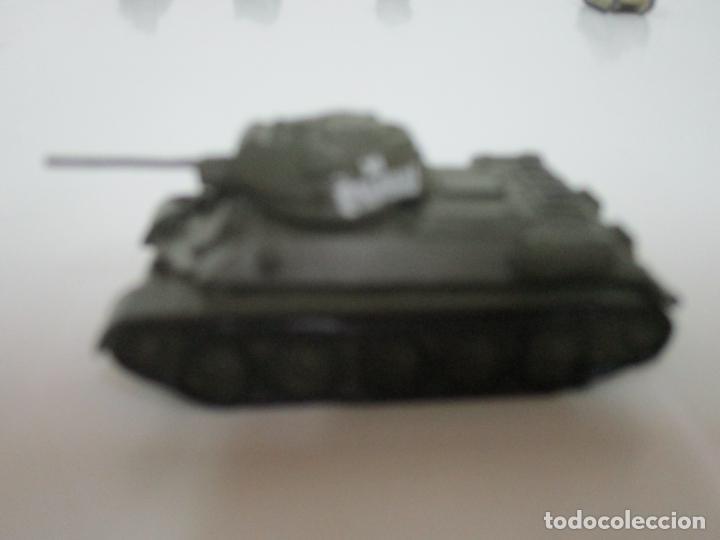 Maquetas: Carros de Combate - Lote, Colección 27 Tanques - Juguete de Plomo, Tanque - Escala 1/87 - con Funda - Foto 16 - 137971442