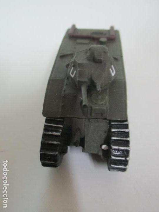 Maquetas: Carros de Combate - Lote, Colección 27 Tanques - Juguete de Plomo, Tanque - Escala 1/87 - con Funda - Foto 17 - 137971442