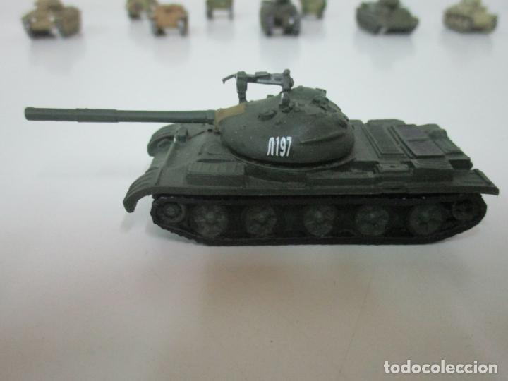 Maquetas: Carros de Combate - Lote, Colección 27 Tanques - Juguete de Plomo, Tanque - Escala 1/87 - con Funda - Foto 24 - 137971442