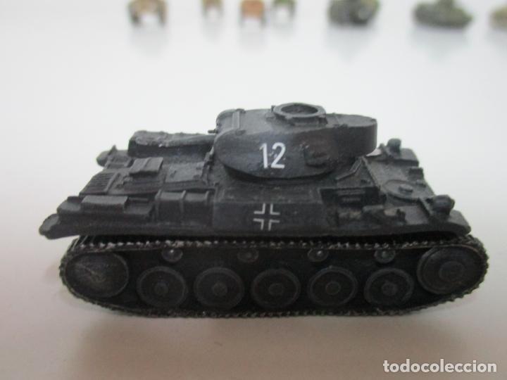 Maquetas: Carros de Combate - Lote, Colección 27 Tanques - Juguete de Plomo, Tanque - Escala 1/87 - con Funda - Foto 27 - 137971442