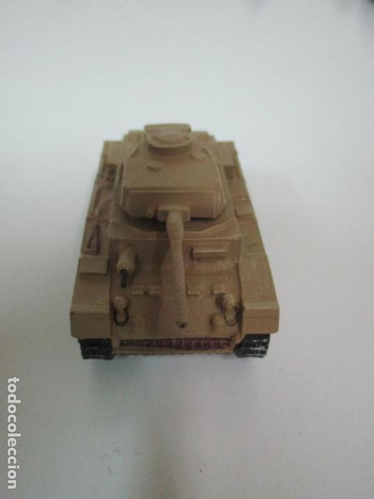 Maquetas: Carros de Combate - Lote, Colección 27 Tanques - Juguete de Plomo, Tanque - Escala 1/87 - con Funda - Foto 31 - 137971442
