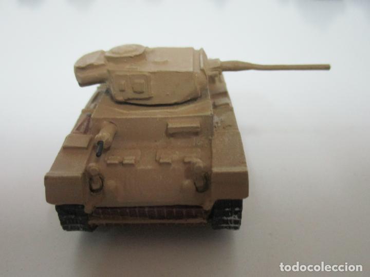 Maquetas: Carros de Combate - Lote, Colección 27 Tanques - Juguete de Plomo, Tanque - Escala 1/87 - con Funda - Foto 32 - 137971442
