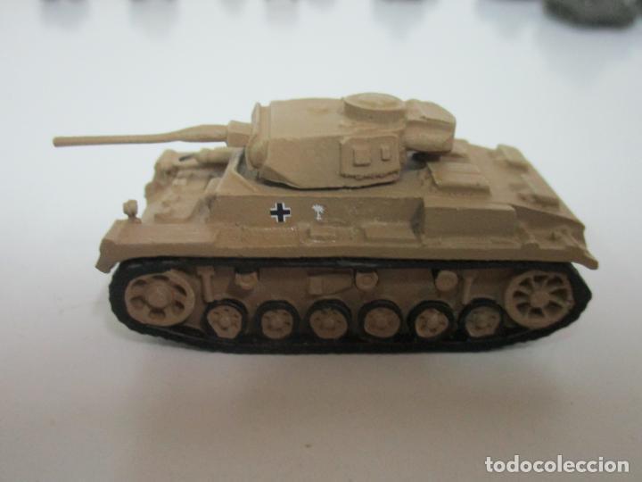 Maquetas: Carros de Combate - Lote, Colección 27 Tanques - Juguete de Plomo, Tanque - Escala 1/87 - con Funda - Foto 33 - 137971442
