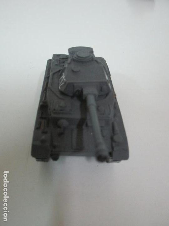 Maquetas: Carros de Combate - Lote, Colección 27 Tanques - Juguete de Plomo, Tanque - Escala 1/87 - con Funda - Foto 34 - 137971442