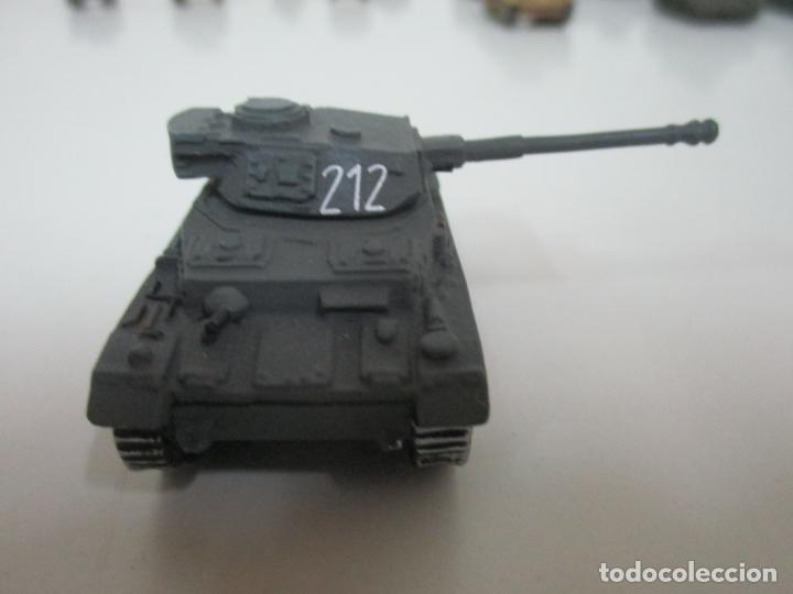 Maquetas: Carros de Combate - Lote, Colección 27 Tanques - Juguete de Plomo, Tanque - Escala 1/87 - con Funda - Foto 35 - 137971442