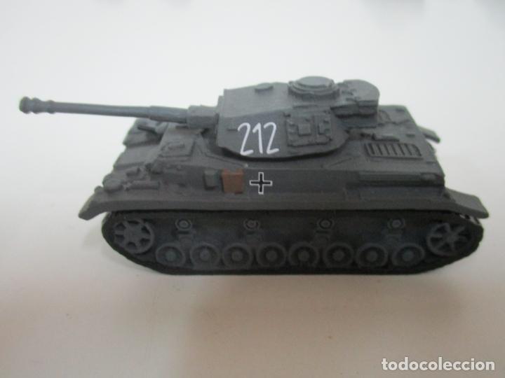 Maquetas: Carros de Combate - Lote, Colección 27 Tanques - Juguete de Plomo, Tanque - Escala 1/87 - con Funda - Foto 36 - 137971442