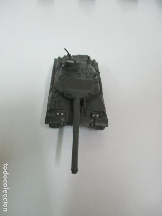 Maquetas: Carros de Combate - Lote, Colección 27 Tanques - Juguete de Plomo, Tanque - Escala 1/87 - con Funda - Foto 40 - 137971442