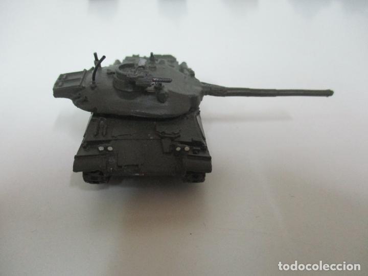 Maquetas: Carros de Combate - Lote, Colección 27 Tanques - Juguete de Plomo, Tanque - Escala 1/87 - con Funda - Foto 41 - 137971442