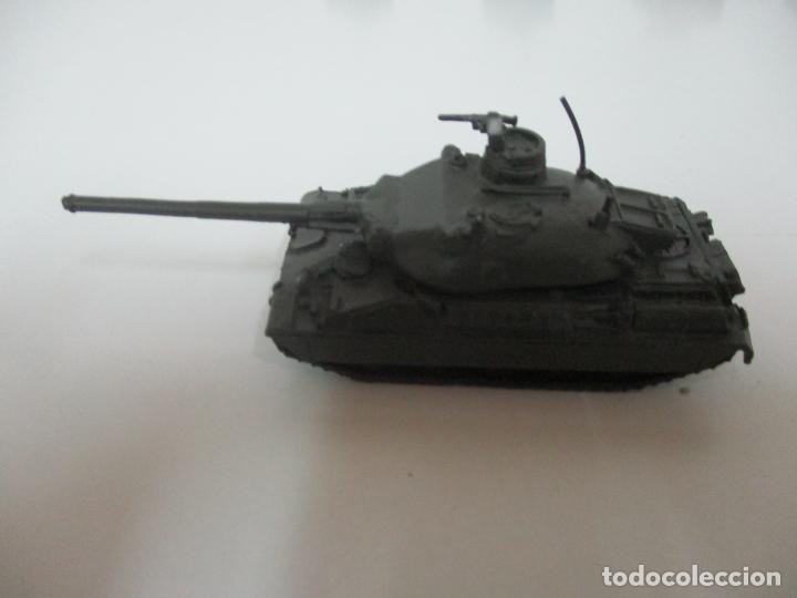 Maquetas: Carros de Combate - Lote, Colección 27 Tanques - Juguete de Plomo, Tanque - Escala 1/87 - con Funda - Foto 42 - 137971442