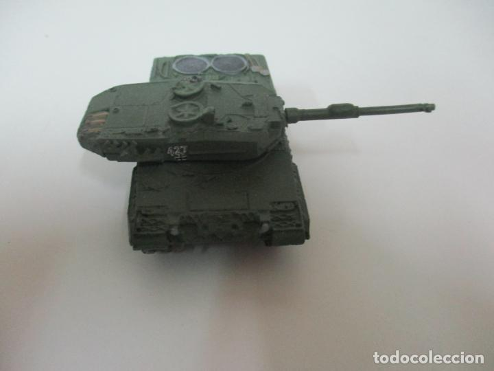 Maquetas: Carros de Combate - Lote, Colección 27 Tanques - Juguete de Plomo, Tanque - Escala 1/87 - con Funda - Foto 44 - 137971442