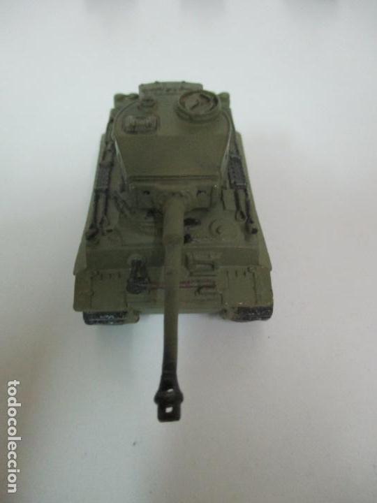 Maquetas: Carros de Combate - Lote, Colección 27 Tanques - Juguete de Plomo, Tanque - Escala 1/87 - con Funda - Foto 52 - 137971442