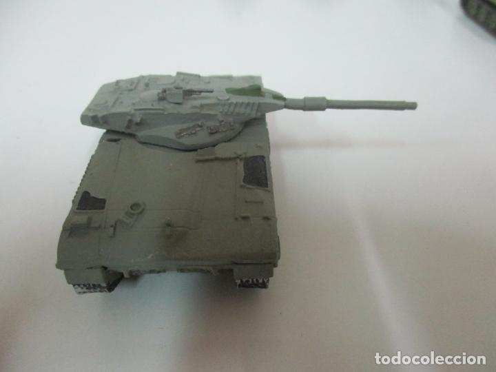 Maquetas: Carros de Combate - Lote, Colección 27 Tanques - Juguete de Plomo, Tanque - Escala 1/87 - con Funda - Foto 56 - 137971442