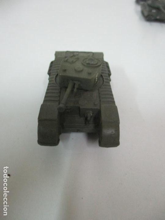 Maquetas: Carros de Combate - Lote, Colección 27 Tanques - Juguete de Plomo, Tanque - Escala 1/87 - con Funda - Foto 58 - 137971442