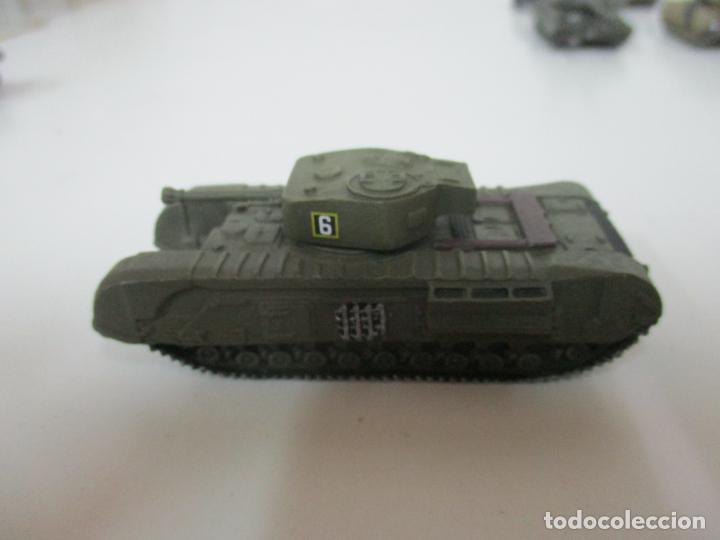 Maquetas: Carros de Combate - Lote, Colección 27 Tanques - Juguete de Plomo, Tanque - Escala 1/87 - con Funda - Foto 60 - 137971442