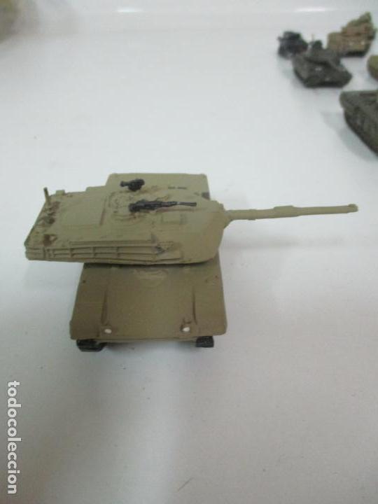 Maquetas: Carros de Combate - Lote, Colección 27 Tanques - Juguete de Plomo, Tanque - Escala 1/87 - con Funda - Foto 62 - 137971442