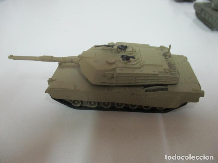 Maquetas: Carros de Combate - Lote, Colección 27 Tanques - Juguete de Plomo, Tanque - Escala 1/87 - con Funda - Foto 63 - 137971442
