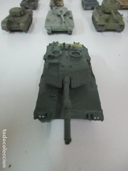 Maquetas: Carros de Combate - Lote, Colección 27 Tanques - Juguete de Plomo, Tanque - Escala 1/87 - con Funda - Foto 64 - 137971442