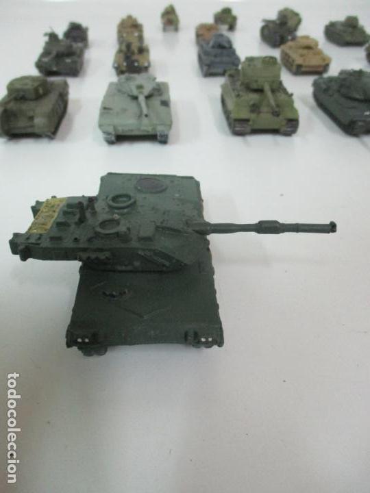 Maquetas: Carros de Combate - Lote, Colección 27 Tanques - Juguete de Plomo, Tanque - Escala 1/87 - con Funda - Foto 65 - 137971442