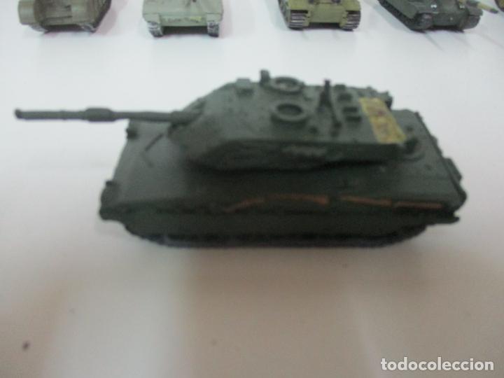 Maquetas: Carros de Combate - Lote, Colección 27 Tanques - Juguete de Plomo, Tanque - Escala 1/87 - con Funda - Foto 66 - 137971442
