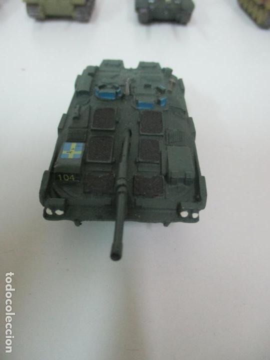 Maquetas: Carros de Combate - Lote, Colección 27 Tanques - Juguete de Plomo, Tanque - Escala 1/87 - con Funda - Foto 67 - 137971442