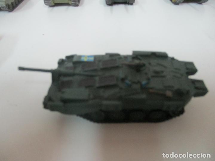 Maquetas: Carros de Combate - Lote, Colección 27 Tanques - Juguete de Plomo, Tanque - Escala 1/87 - con Funda - Foto 68 - 137971442