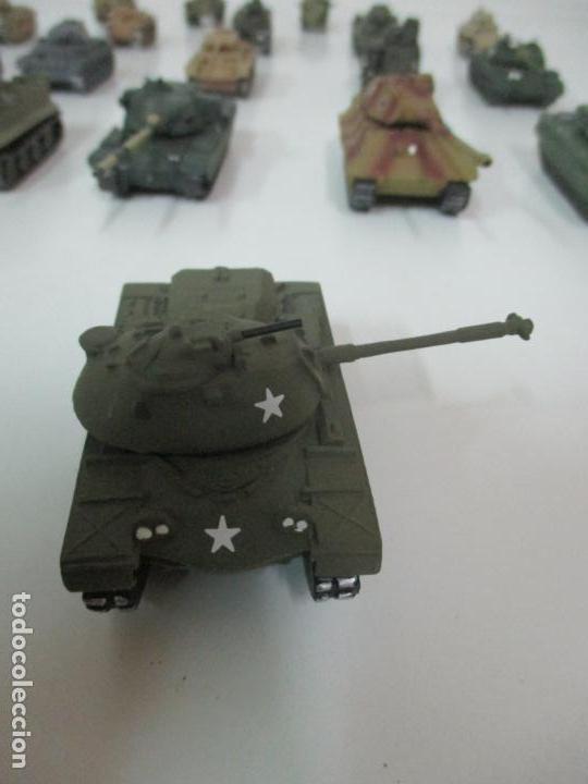 Maquetas: Carros de Combate - Lote, Colección 27 Tanques - Juguete de Plomo, Tanque - Escala 1/87 - con Funda - Foto 70 - 137971442