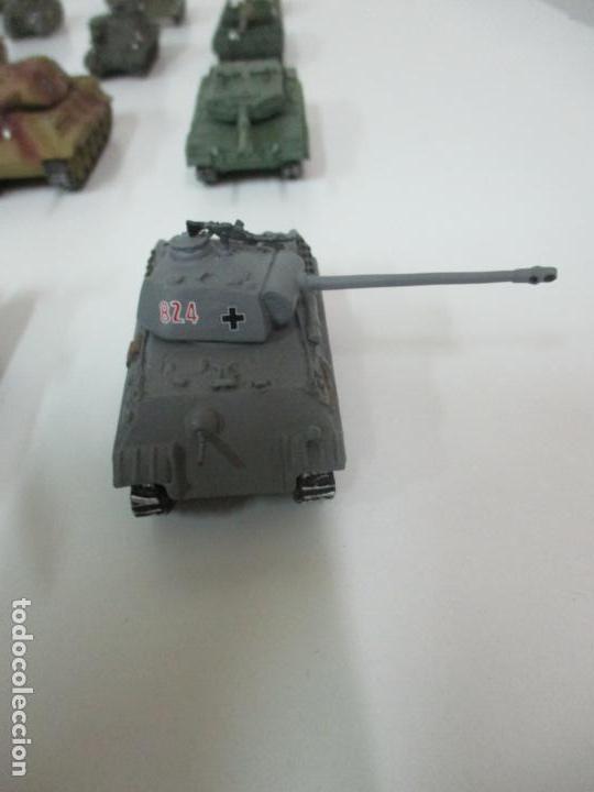 Maquetas: Carros de Combate - Lote, Colección 27 Tanques - Juguete de Plomo, Tanque - Escala 1/87 - con Funda - Foto 73 - 137971442
