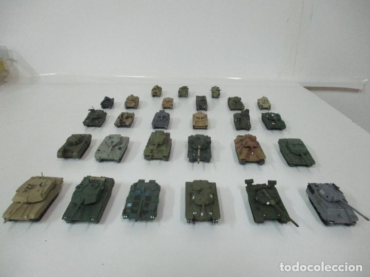 Maquetas: Carros de Combate - Lote, Colección 27 Tanques - Juguete de Plomo, Tanque - Escala 1/87 - con Funda - Foto 77 - 137971442