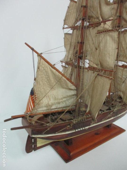 Maquetas: Antigua Maqueta de Fragata, Barco, Velero Americano - Madera y Tela - Principios S. XX - Foto 26 - 142182186