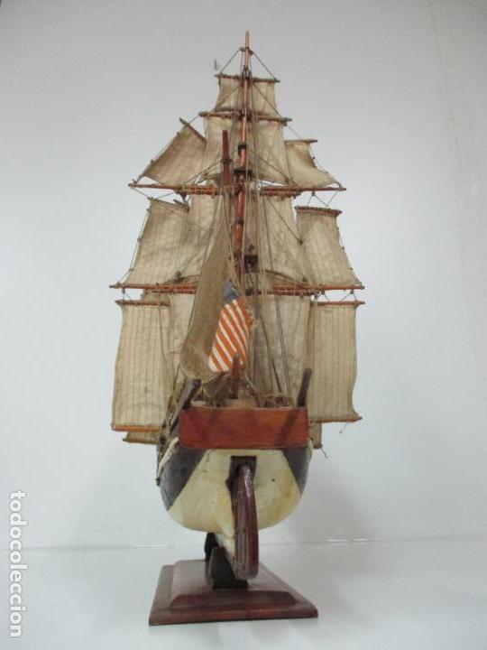 Maquetas: Antigua Maqueta de Fragata, Barco, Velero Americano - Madera y Tela - Principios S. XX - Foto 28 - 142182186