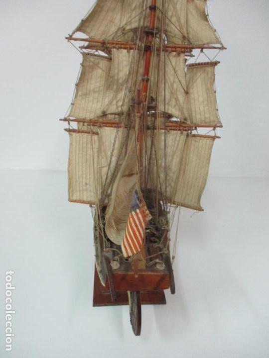 Maquetas: Antigua Maqueta de Fragata, Barco, Velero Americano - Madera y Tela - Principios S. XX - Foto 29 - 142182186