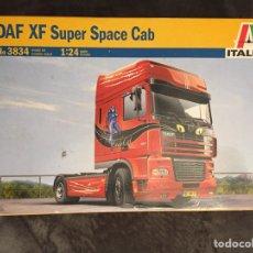 Maquetas: DAF XF SÚPER SPACE CAB 1:24 ITALERI 3834 MAQUETA CAMION. Lote 147462984