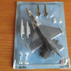 Maquetas: AVIONES: MAQUETA EN METAL ITALERI ESCALA 1/100 : MODELO AVION F-16 A FIGHTING FALCON. Lote 150244246