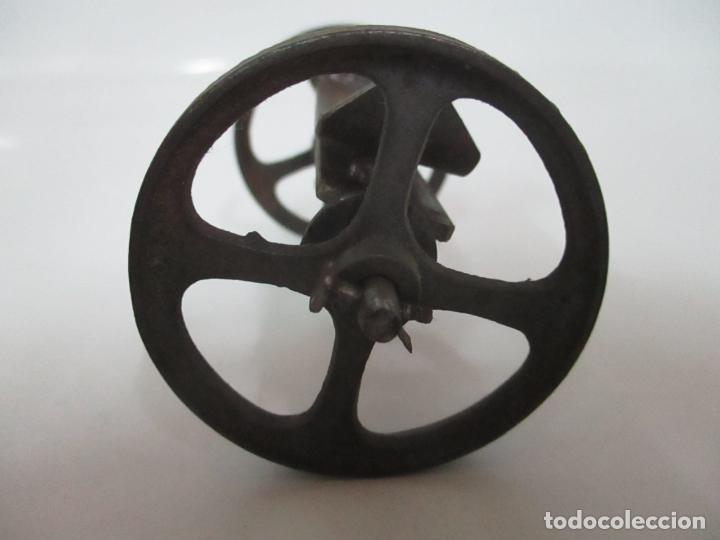 Maquetas: Antiguas Ruedas Metálicas - Maqueta - Metal - Artesanal - Años 40 - Foto 3 - 150747838