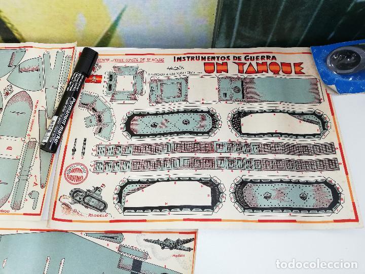 Maquetas: Lote de tres antiguas maquetas recortables,Instrumentos de guerra. Un caza, un tanque y un trimotor. - Foto 3 - 151274226