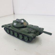 Maquetas: TANQUE N 197 T-62 DE LA URSS FABRICADO EN RESINA Y METAL 10 CM X 3,5 CM. Lote 165165305