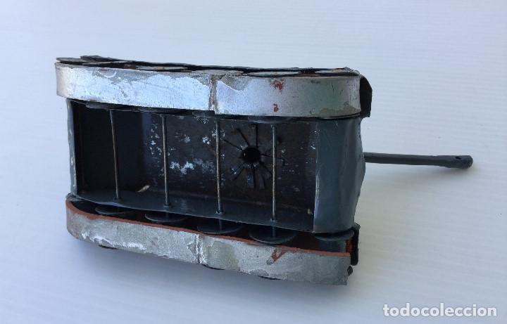 Maquetas: Tanque militar artesanal de hojalata - años 40 - Foto 7 - 166305874