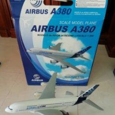 Maquetas: MAQUETA AVIÓN AIRBUS A380 RESINA ESCALA 1:200 36'4CM. Lote 169103424