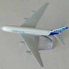 Maquetas: MAQUETA AVIÓN AIRBUS A380 METÁLICO. Lote 169105212