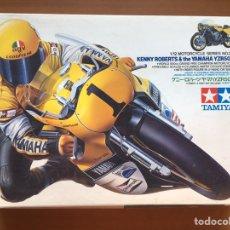 Maquetas: KENNY ROBERTS & YAMAHA YZR500 1:12 TAMIYA 14026 MAQUETA MOTO GP. Lote 171204778