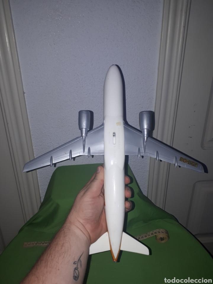 Maquetas: Antiguo avión AIRBUS 320 AIRPLAST MILANO ESCALA 1:100 PUBLICIDAD DE AGENCIA DE VIAJES leer descripci - Foto 9 - 171306093