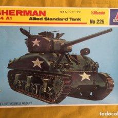 Maquetas: SHERMAN M4A1 1:35 ITALERI 225 MAQUETA CARRO. Lote 172321035