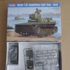 Maquetas: MAQUETA TANQUE ANFIBIO RUSO WW2 - HOBBY BOSS 83818 T-37 SOVIET AMPHIBIOUS LIGHT TANK EARLY 1/35. Lote 173140144
