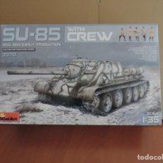 Maquetas: MINIART 35178 SU-85 MOD. 1943 EARLY PRODUCTION W/CREW 1/35. Lote 122555131
