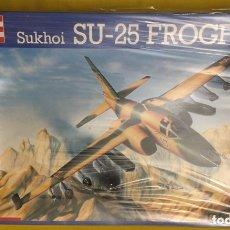 Maquetas: SUKHOI SU-25 FROGFOOT 1:72 REVELL 4384 MAQUETA AVIÓN. Lote 173965288